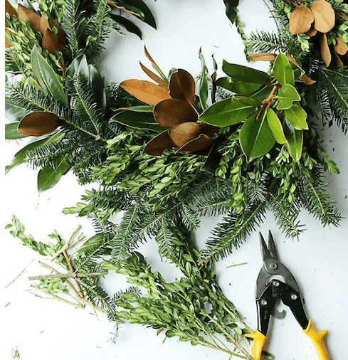 Screen Shot 2021 10 06 at 3.32.40 PM e1633641243681 - Holiday Floral Design Classes