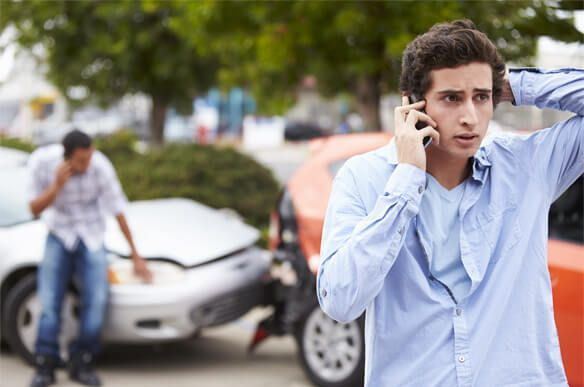 Teen calling police after a car accident