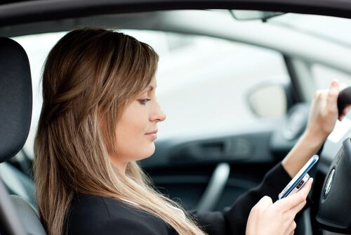 Tennessee Texting and Driving Laws