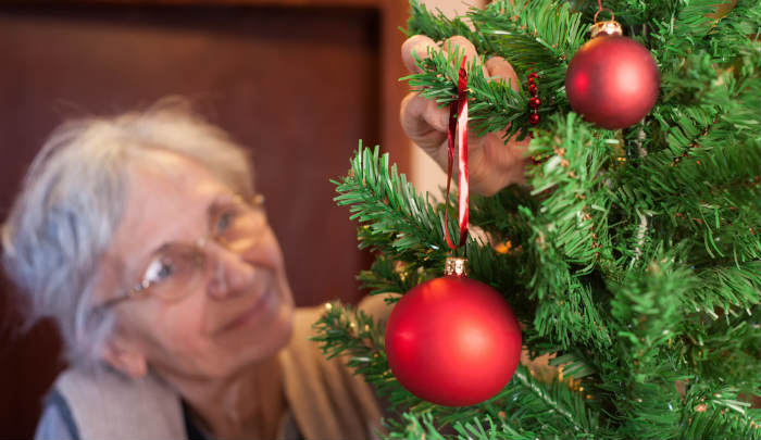 Decorating for the Holidays in a Nursing Home