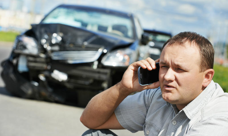 Our Palm Coast accident attorneys list the do's and don'ts after a car accident.
