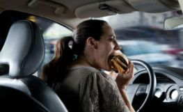eating while driving-