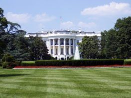 white house outside view