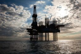 deepwater horizon oil spill report delves into safety oversights