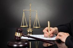 business litigation lawyers