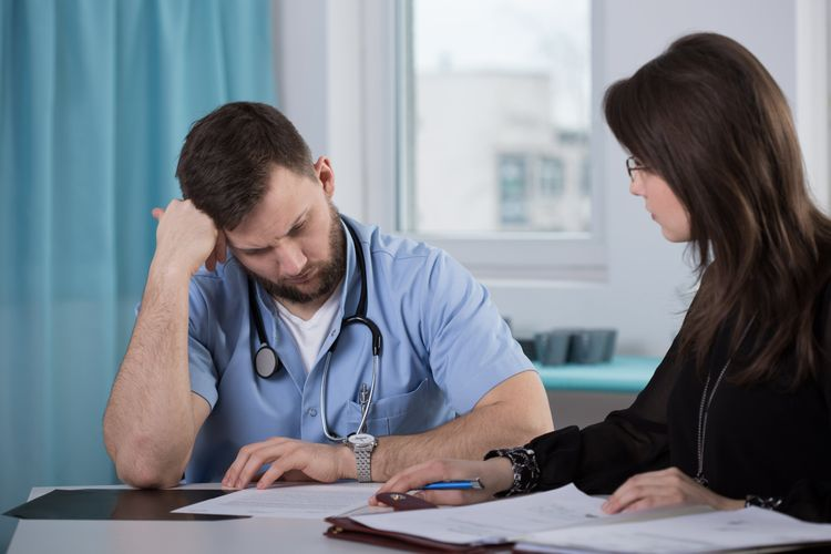How can I find out if a doctor has ever been disciplined by the Virginia Board of Medicine or whether the doctor has paid a medical malpractice settlement?