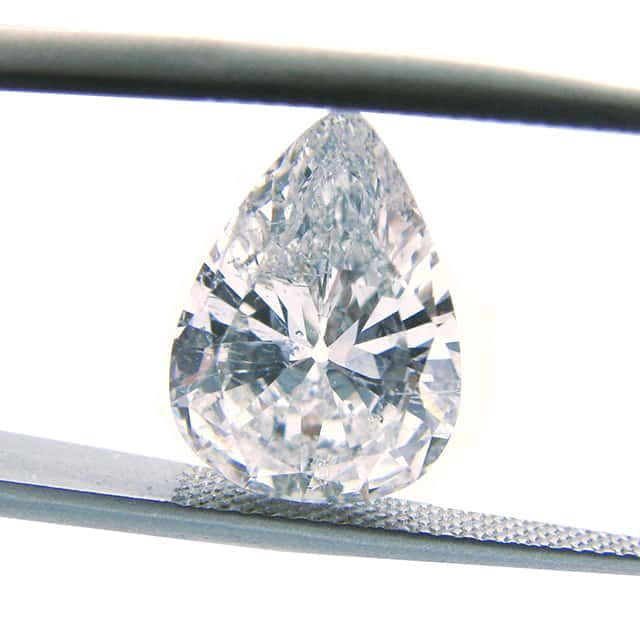 Pear-shaped diamond twinning wisp inclusions.