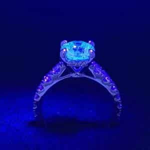 Blue Fluorescence Diamonds