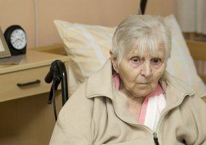 An elderly woman suffering from nursing home abuse and neglect in Georgia.