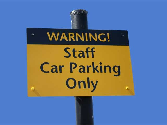 Warning staff car parking only outdoor metal sign