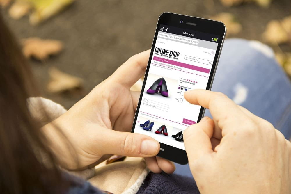 Why Online Retailers Should Put Money Into Ecommerce Mobile App