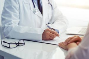 Ten-Mistakes-of-Dealing-with-Doctors-image