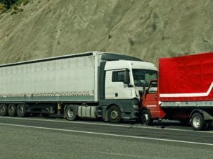 Why Should a Lawyer Investigate a Commercial Truck Accident?
