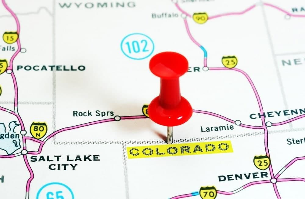 Colorado map with red pin.
