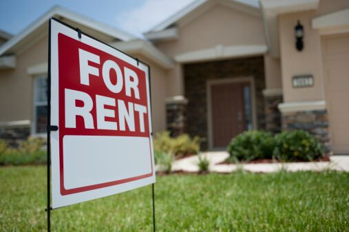 renters and car insurance prices, image