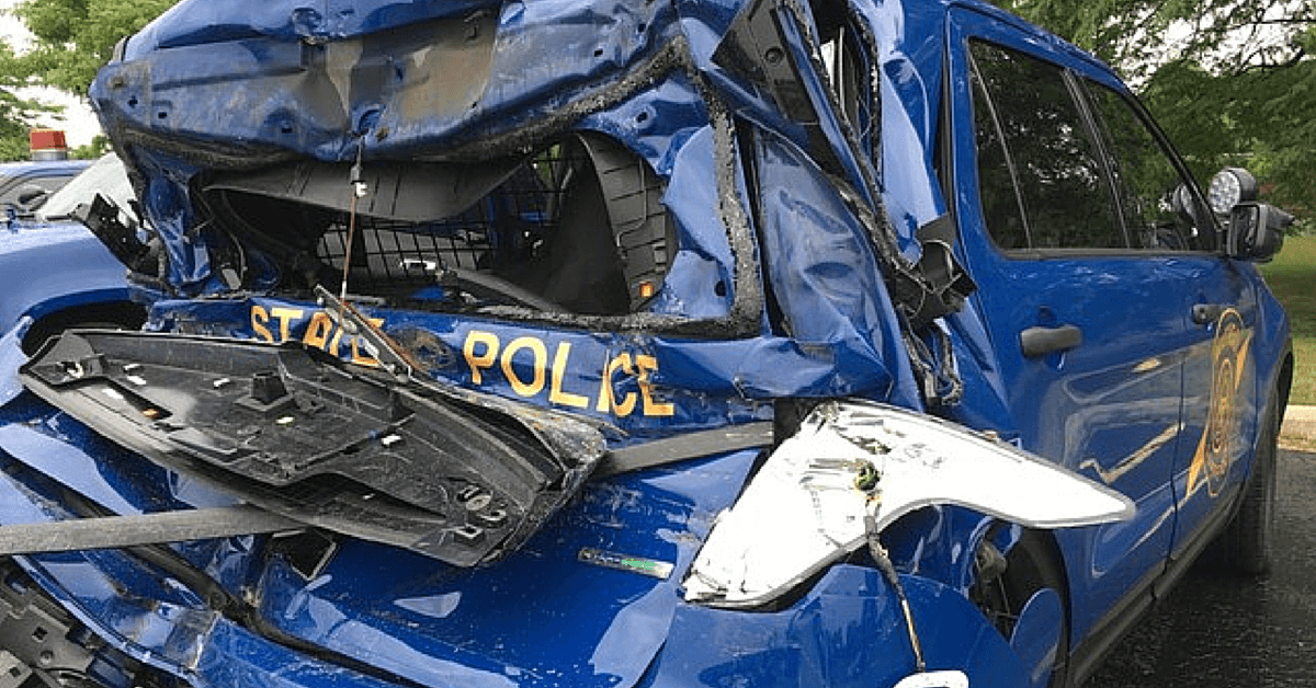 trucker-slams-into-michigan-state-police-patrol-car-on-i-696