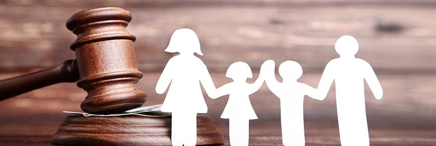 A cutout and gavel depicting family law in Sun City, Arizona.