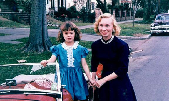 Flora Stuart as a child with her mother