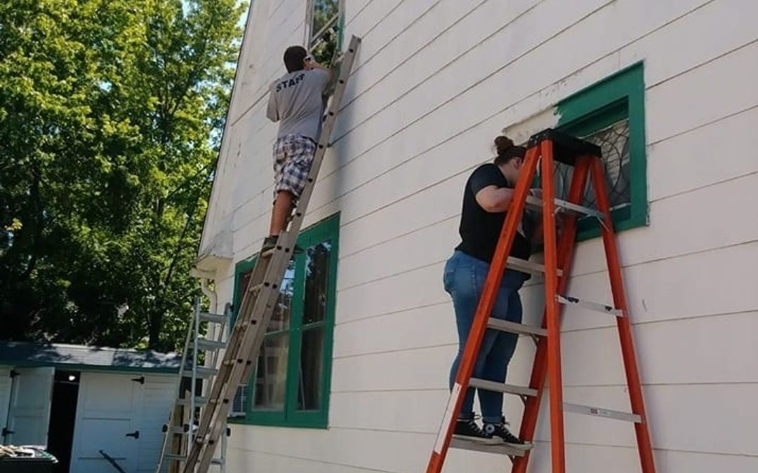 Lakewood Tool Box Helps Longtime Residents Reach New Heights
